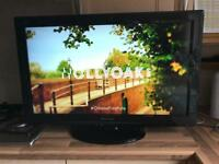 "PANASONIC VIERA 32"" lcd tv internet freeview vvgc"