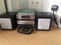 Hitachi mini stereo system. Cd and radio good condition