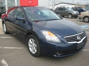 2009 Nissan Altima 2.5 S | Heated Seats!