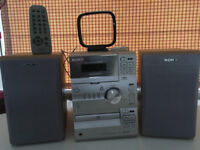 Sony CMT-CP1 Hifi Stereo with CD Player, Tape & Speakers