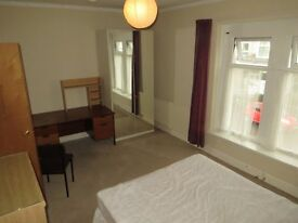 5 DOUBLE ROOMS TO LET