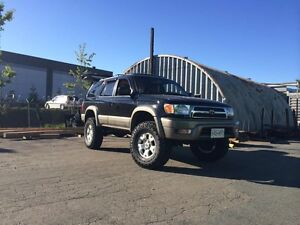 LOOKING FOR 96-02 4RUNNER LIMITED