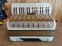 Hohner Arietta IM, 2 Voice (MM), 72 Bass, Piano Accordion. Lessons Available.
