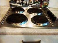 Zanussi built in single oven and Zanussi hob, both electric..Both 8months old.