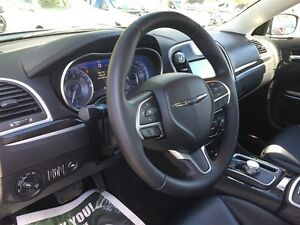 2015 CHRYSLER 300 TOURING - PANORAMIC SUNROOF, LEATHER HEATED SE Windsor Region Ontario image 12