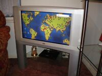 TELEVISION JVC 30 INCH WITH STAND