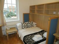 Single studio flat with en-suite shower/wc & kitchenette with microwave/fridge in Hammersmith
