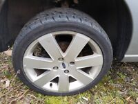 Ford Focus excellent alloy wheels with nearly new 215x40x17 tyres.