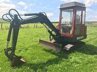 Nissan/hanix n350 mini digger excavator 3 buckets no vat