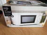 700w 17L Manual Microwave - Brand New in Box
