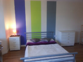 ** Short Term Lets - Ensuite & Double Rooms with Shower Room in Christchurch **