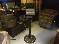 INDUSTRIAL SPOTLIGHT ON STAND IN GOOD CONDITION SPOTLIGHT WORKING ,49 INCHES HIGH IN TOTAL , £65