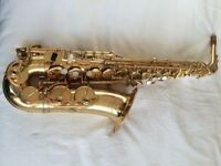 Elkhart Deluxe Alto Saxophone with case