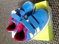 Adidas Jogger babies trainers size4