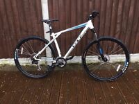 Mens GT 29er Mountain Bike in MINT Condition