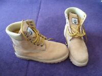 Men's Timberland Style Boots (size 7)