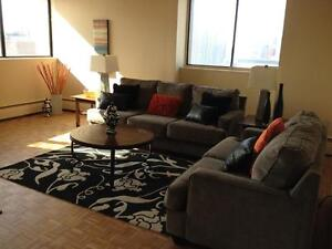 LARGE BRIGHT 2 BDRM APT!!