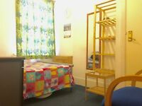 Double room, Close to Upton-Park Underground Station, Easy Access to Centre London.