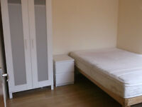 Mile End Underground Twin Room All Bills Included Free Wifi Available Now
