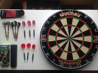 Winmau Dartboard and Darts