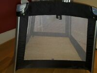 Oomo travel cot/play pen. Good condition and easy to assemble.