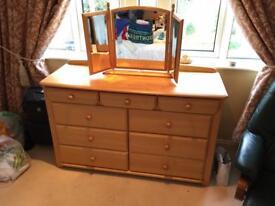 Bedroom Dresser / Chest of drawers