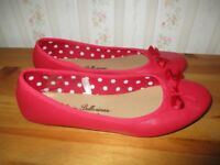 Ladies shoes size 5 as new £2!!
