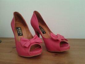 beautiful pink high heels size 4(37)
