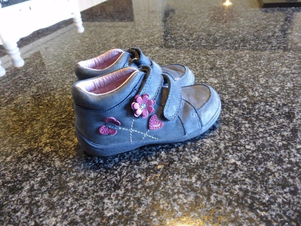 Startrite child's shoes in good used condition