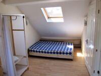 Large, bright en-suite loft room
