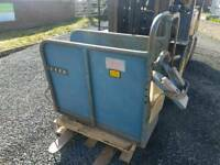 Calf dehorning vaccination crate crush farm livestock tractor