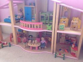Pintoy dolls house