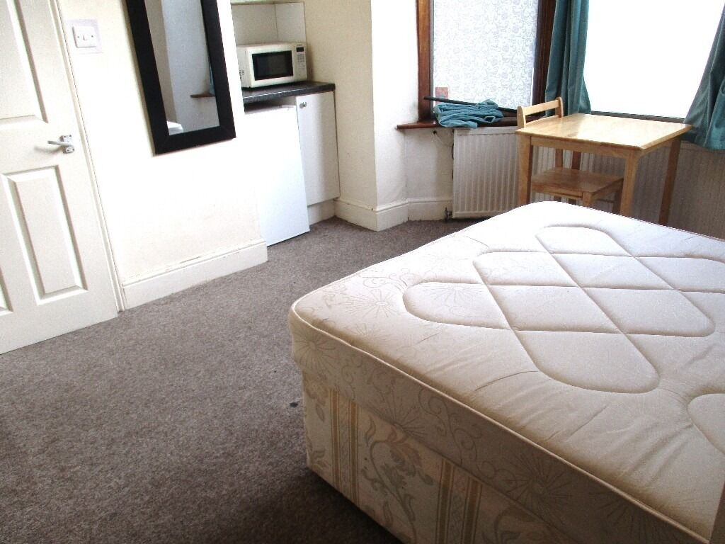 GREAT DEAL BILLS INCLUDED! SUPER LARGE DOUBLE STUDIO WITH GARDEN NEAR ZONE 2 NIGHT TUBE, 24 HR BUSES