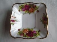 Royal Albert Old Country Roses Square Sweet Dish