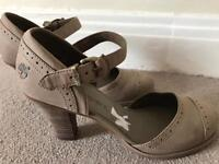 Timberland lady shoes **NEW**