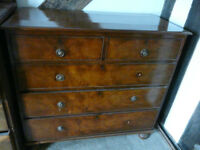 Early 19c mahogany chest of drawers, 2 short over 3 long, brass ring handles, turned feet GC