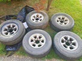 5 x shogun alloys with tyres