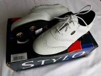 Ladies golf shoes. Brand new