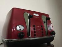 Delonghi red toaster
