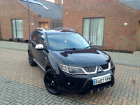CHEAPEST MITSUBISHI OUTLANDER WARRIOR DIESEL 4WD. FULL LEATHERS. 7 SEATER. LONG MOT.SUPERB DRIVE