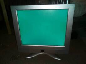 Cheap Monitor W/ built-in speakers