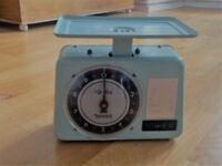 Retro Tower Weighing Scales