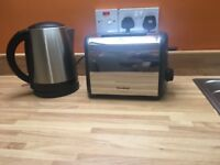 TOASTER AND KETTLE £15 FOR BOTH