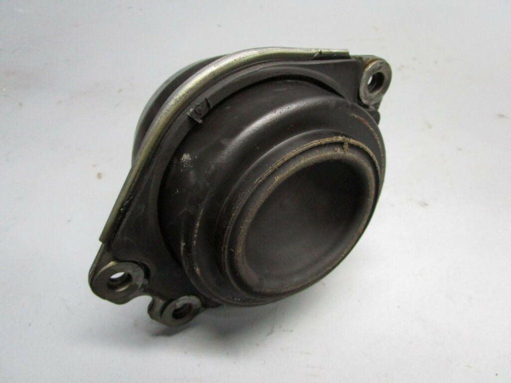 Bearing block, Engine Mount Engine 8200052028C RENAULT 2,2
