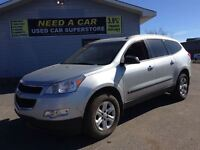 2010 Chevrolet Traverse LS | 8 PASS | FINANCING AVAILABLE |