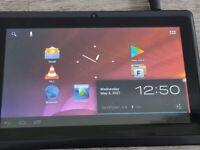 Bargain Android Tablet,7 inch screen,webcam,speaker,card slot for extra memory,headphone socket