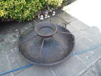 Cast iron pig feeder eight sections size 3ft across