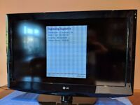 LG LCD 32LD320 LCD TV, 720p with remote, wall-mountable.
