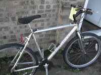 VERY CHEAP MANS ALLOY FRAMED BIKE ... EVERYTHING WORKS.... LOWESTOFT
