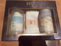 No7 gift set new